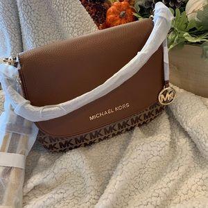 MK medium shoulder bag